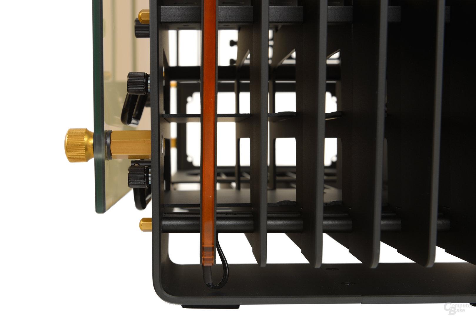 In Win H-Frame 2.0 – Robuste Befestigungen zwischen den Plattenelementen