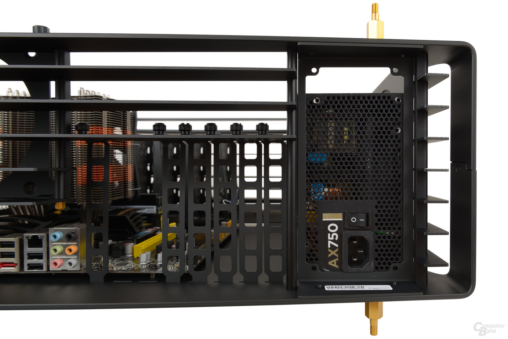 In Win H-Frame 2.0 – Ein normales ATX-Netzteil ist zu klein
