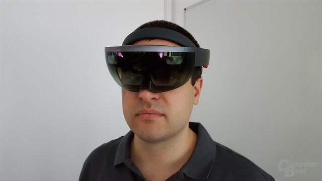 medialesson-CEO Philipp Bauknecht mit der Microsoft HoloLens