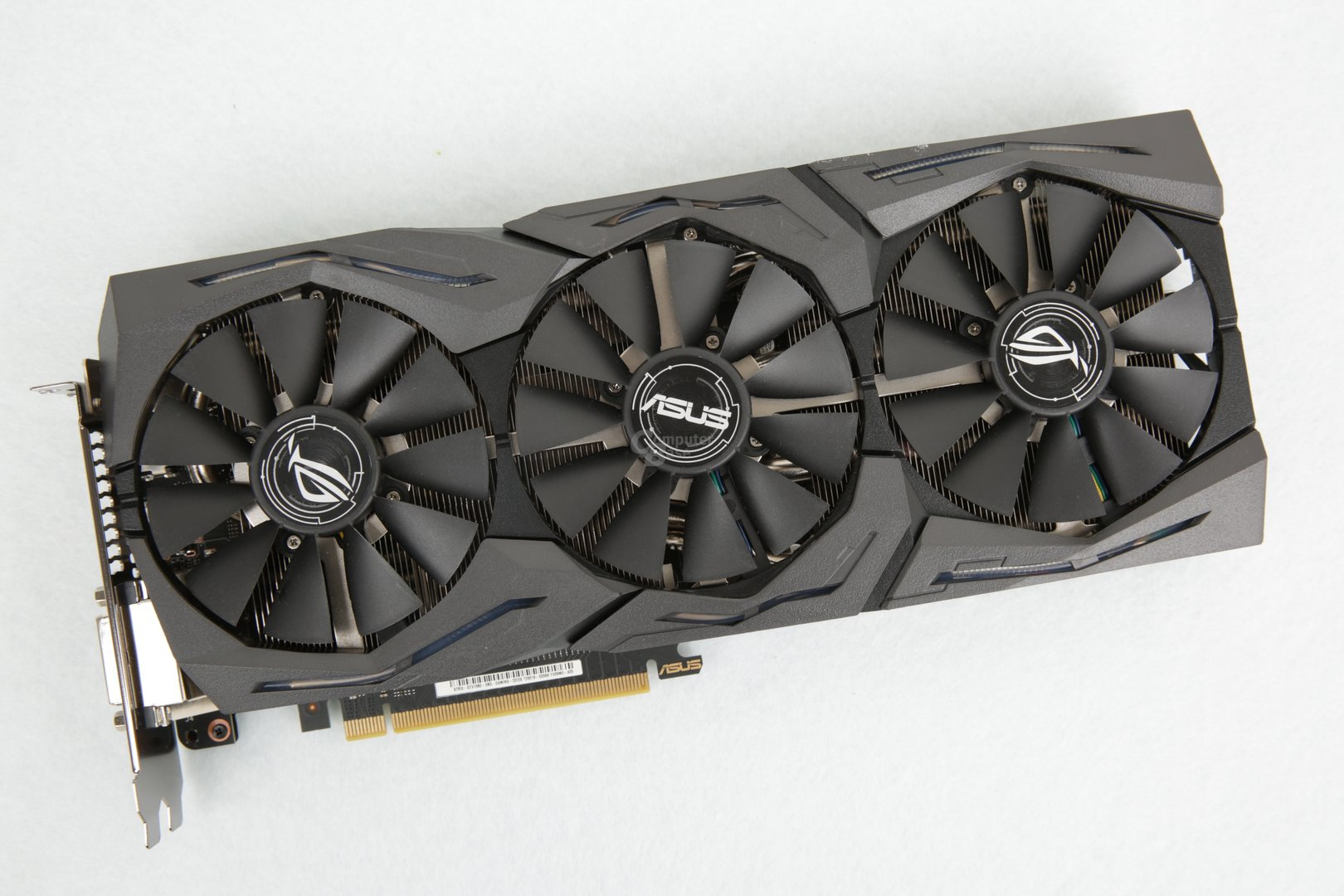In der Redaktion: Asus GeForce GTX 1080 Strix OC Edition