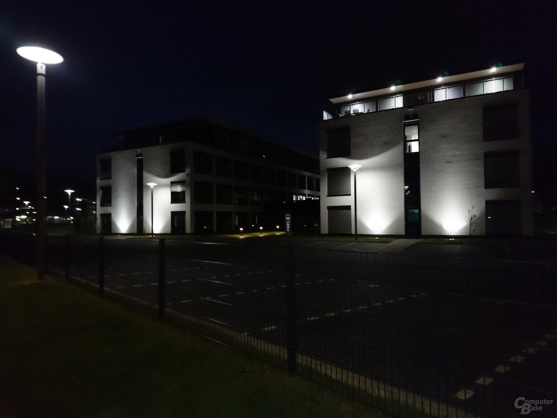 Sony Xperia X – Nacht mit Blitz
