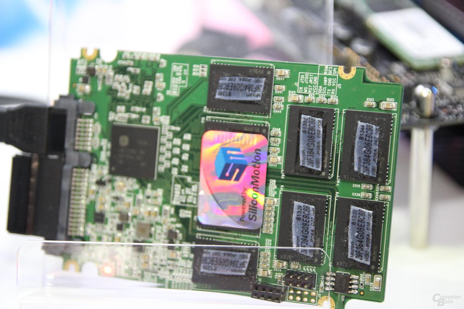 Microns 3D-TLC-NAND mit 384 Gbit