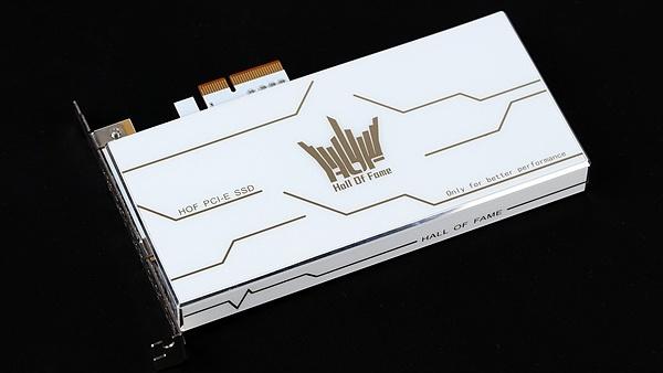 Hall of Fame: Galax bringt SSDs für U.2, M.2 und PCIe in HoF-Familie