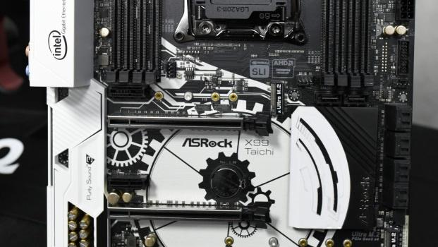 X99 Taichi und Fatal1ty X99: ASRock nutzt Mainboard-Platinen als Leinwand