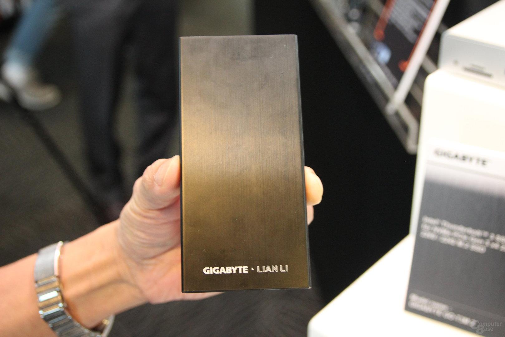 Gigabytes Thunderbolt-3-Gehäuse für M.2-PCIe-SSDs