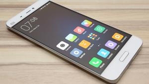 Deal mit Microsoft: 1.500 Patente für Xiaomi, vorinstalliertes Office & Skype