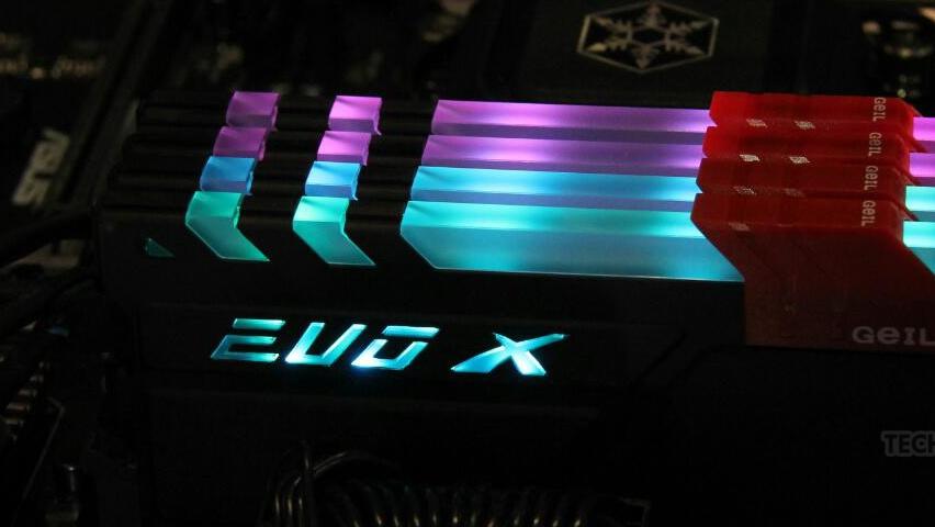 DDR4-4.000: GeIL und Galax mit schnellem RAM und viel Bling Bling