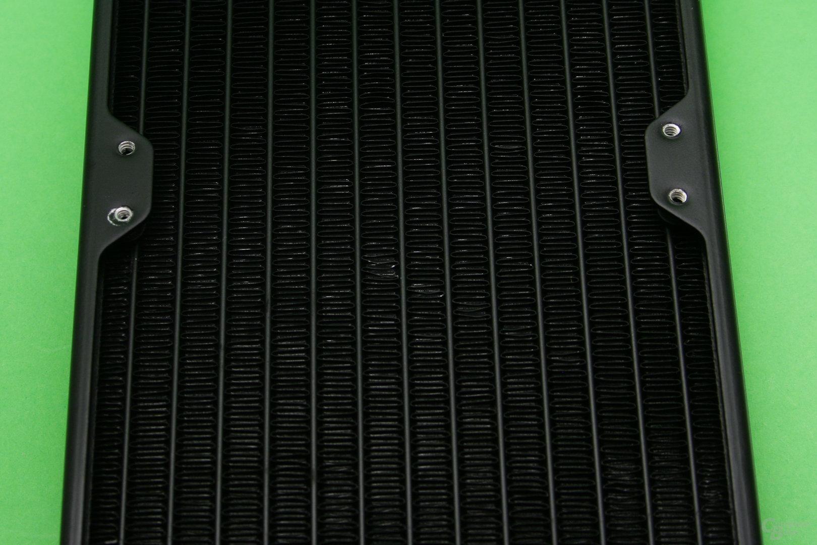 Corsair H100i v2: Verbogene Lamellen am Radiator