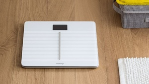 WLAN-Waage: Withings Body Cardio misst Pulswellengeschwindigkeit
