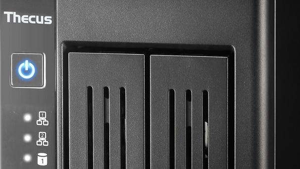 Thecus N2810Pro: NAS mit DisplayPort, SPDIF und neuem Braswell-SoC