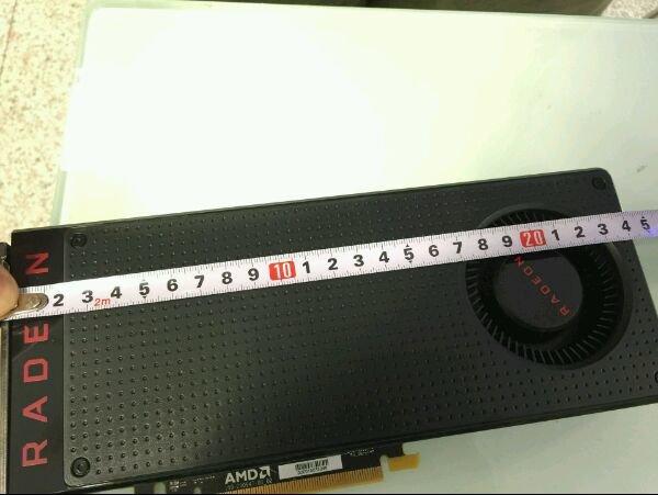 Rund 24 Zentimeter ist die RX 480 mit Referenzkühler lang