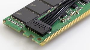 NVDIMM: Crucial liefert DDR4‑Module mit Flash-Backup aus