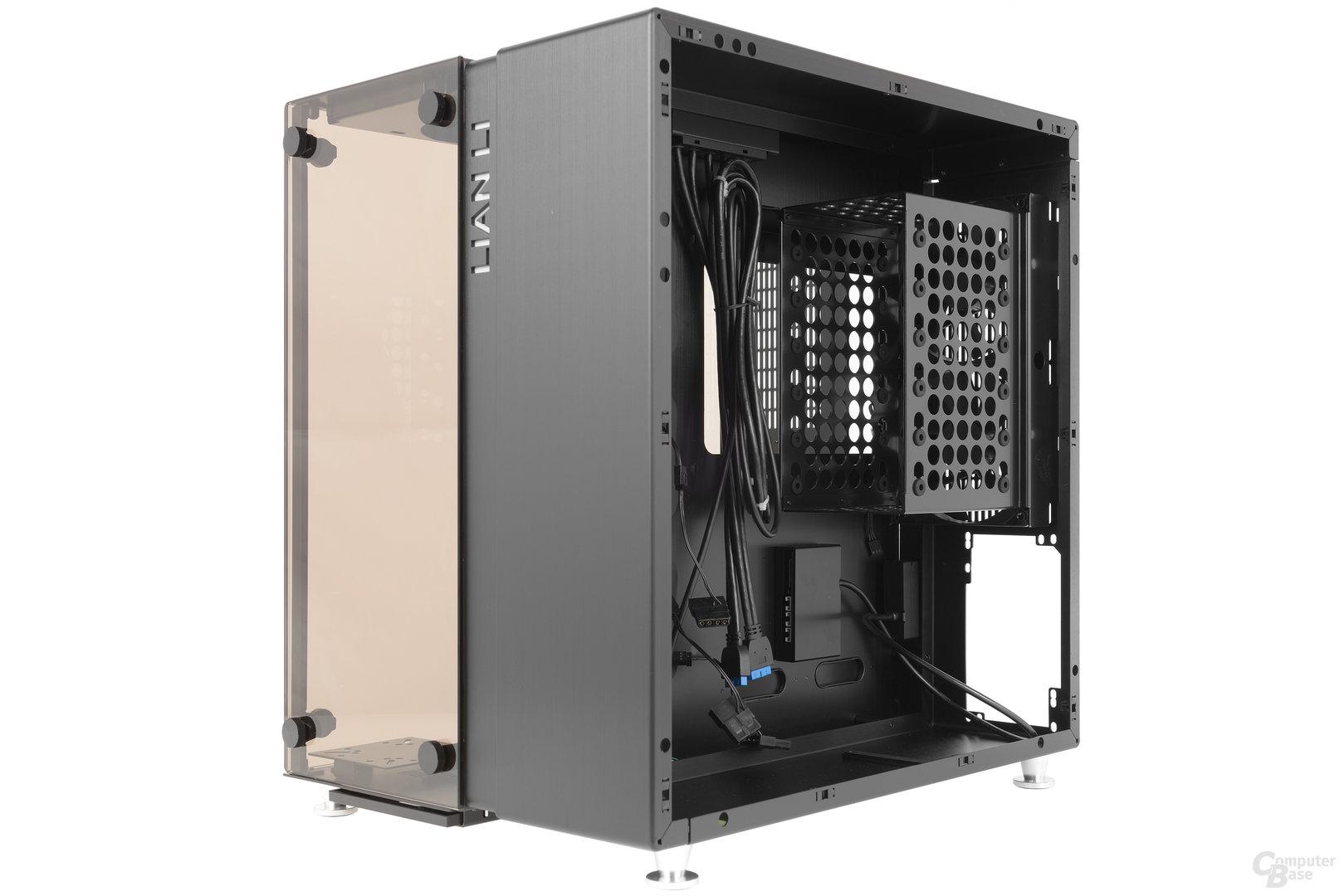 Lian Li PC-O9 – Seitliche Innenraumansicht Rückseite