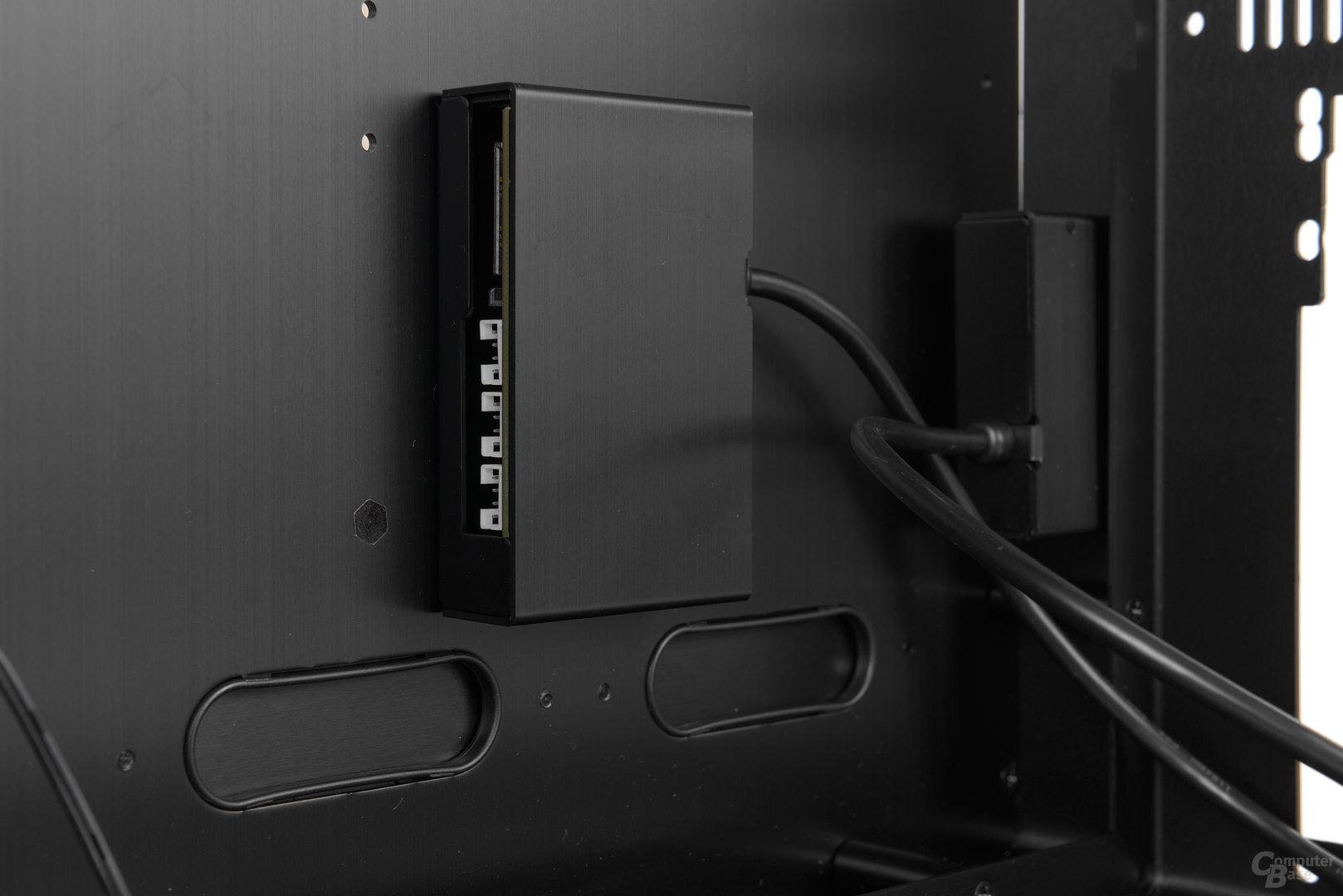 Lian Li PC-O9 – Anschlussbox für die mitgelieferten LED-Striplights