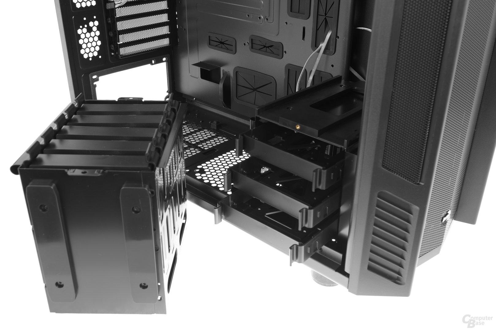 Aerocool XPredator II – Die Festplattenkäfige sind modular