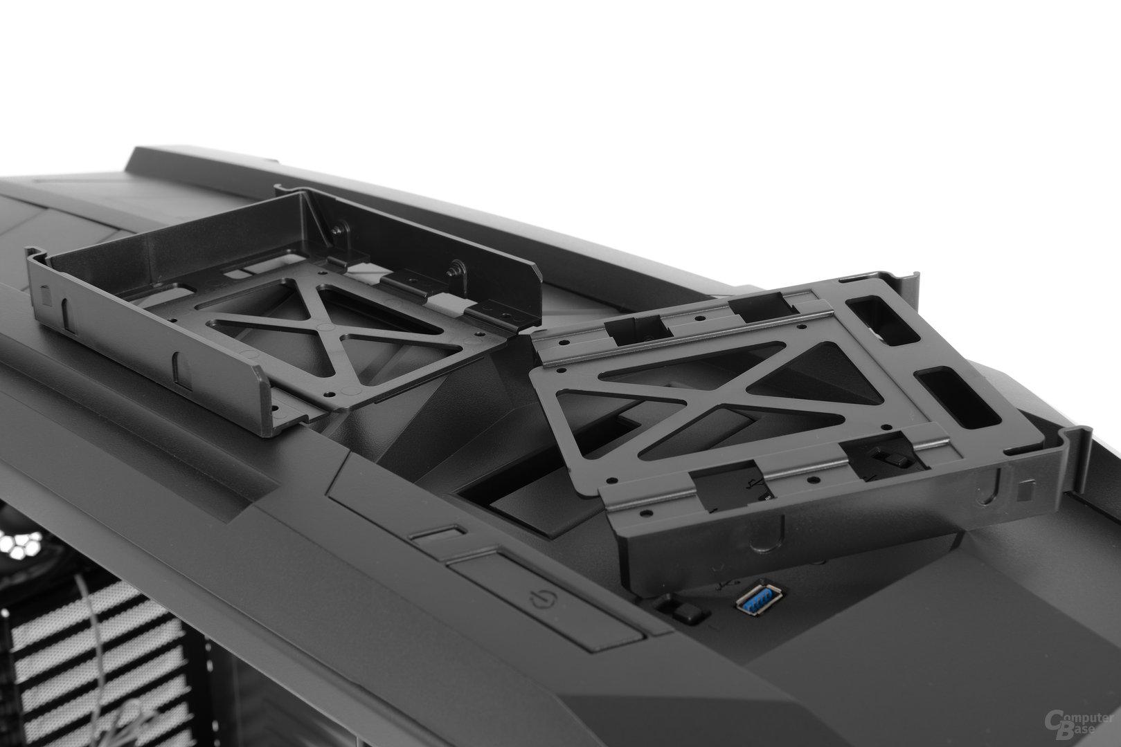 Aerocool XPredator II – Die Festplattenschienen kommen ohne Entkopplung