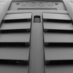 Aerocool XPredator II im Test: Tower mit Kiemen, 5×140mm und Problemen