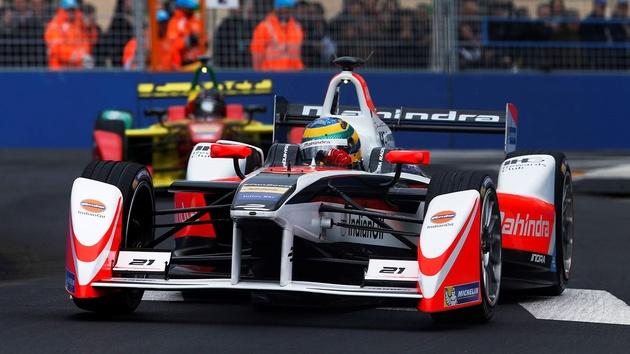 eSport: Spieler treten gegen 20 echte Formel-E-Rennfahrer an