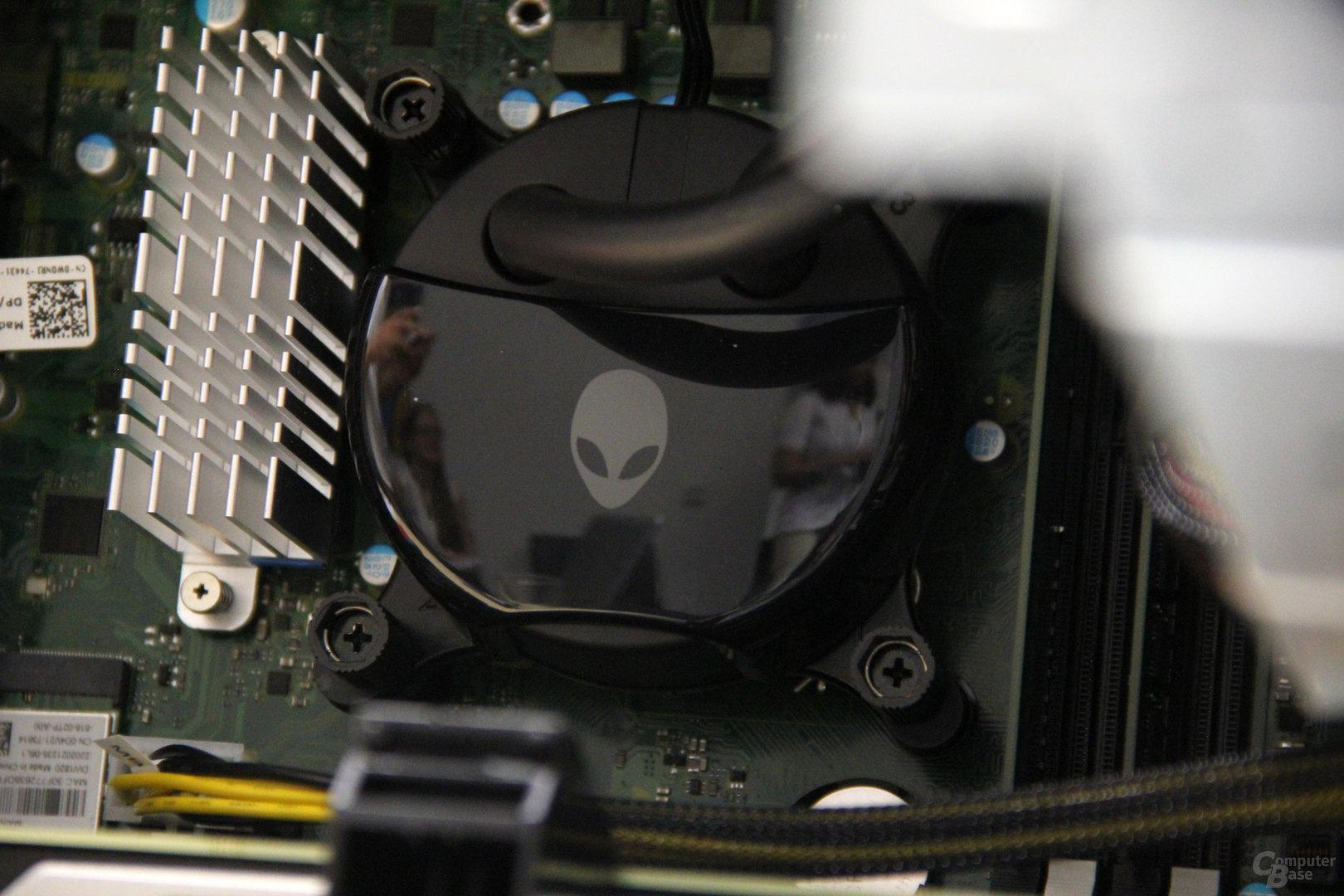 CPU-Kühler mit Pumpe