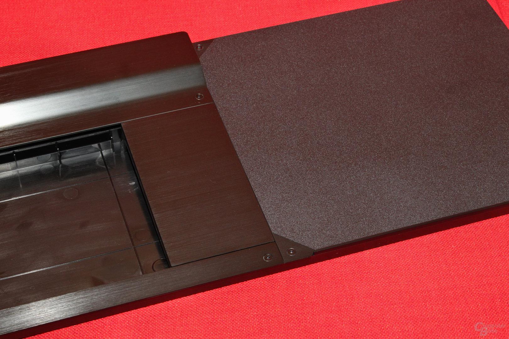 Die Abdeckung erlaubt den Einsatz einer Tastatur ohne Nummernblock