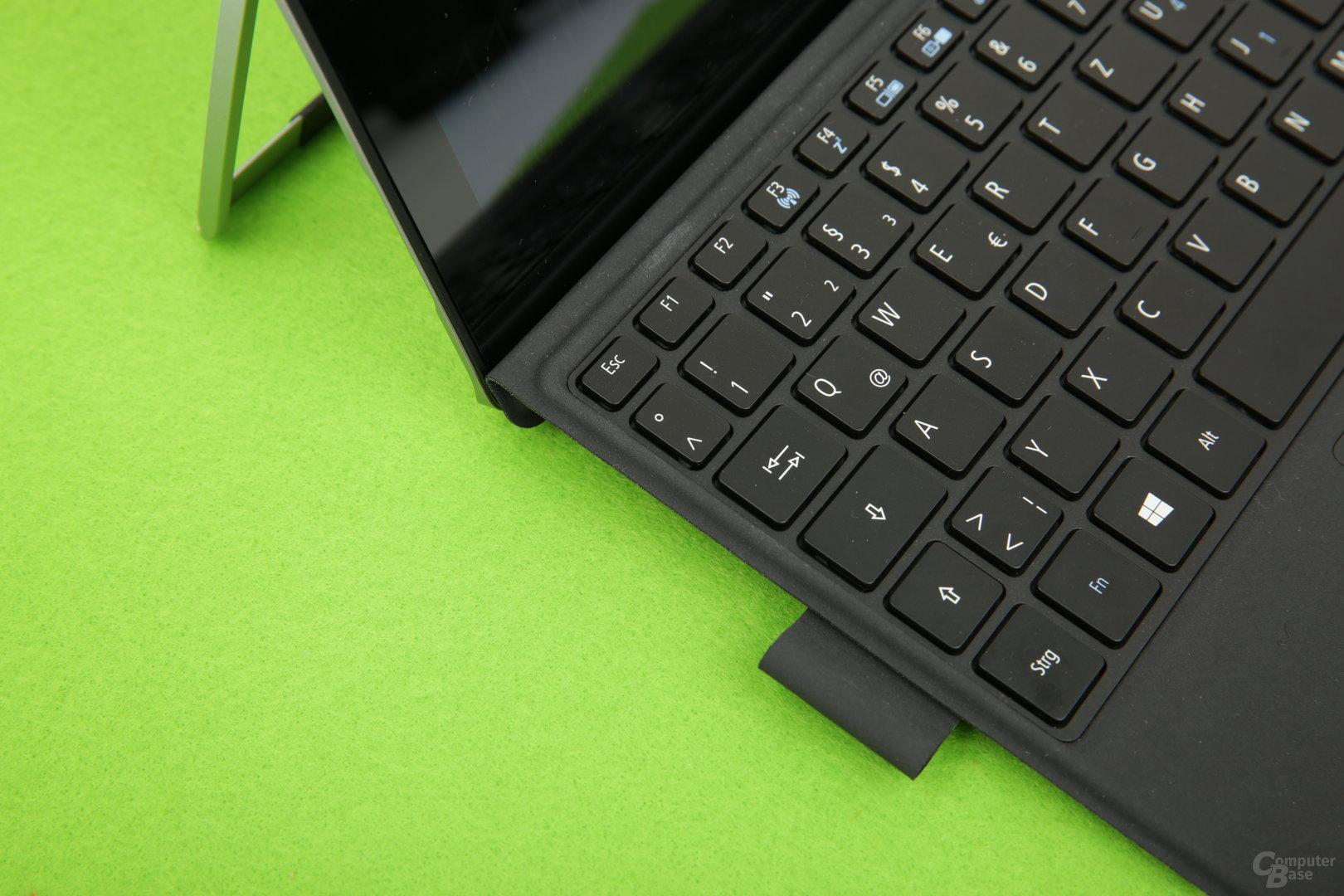 Auch die Tastatur von Acer lässt sich aufstellen