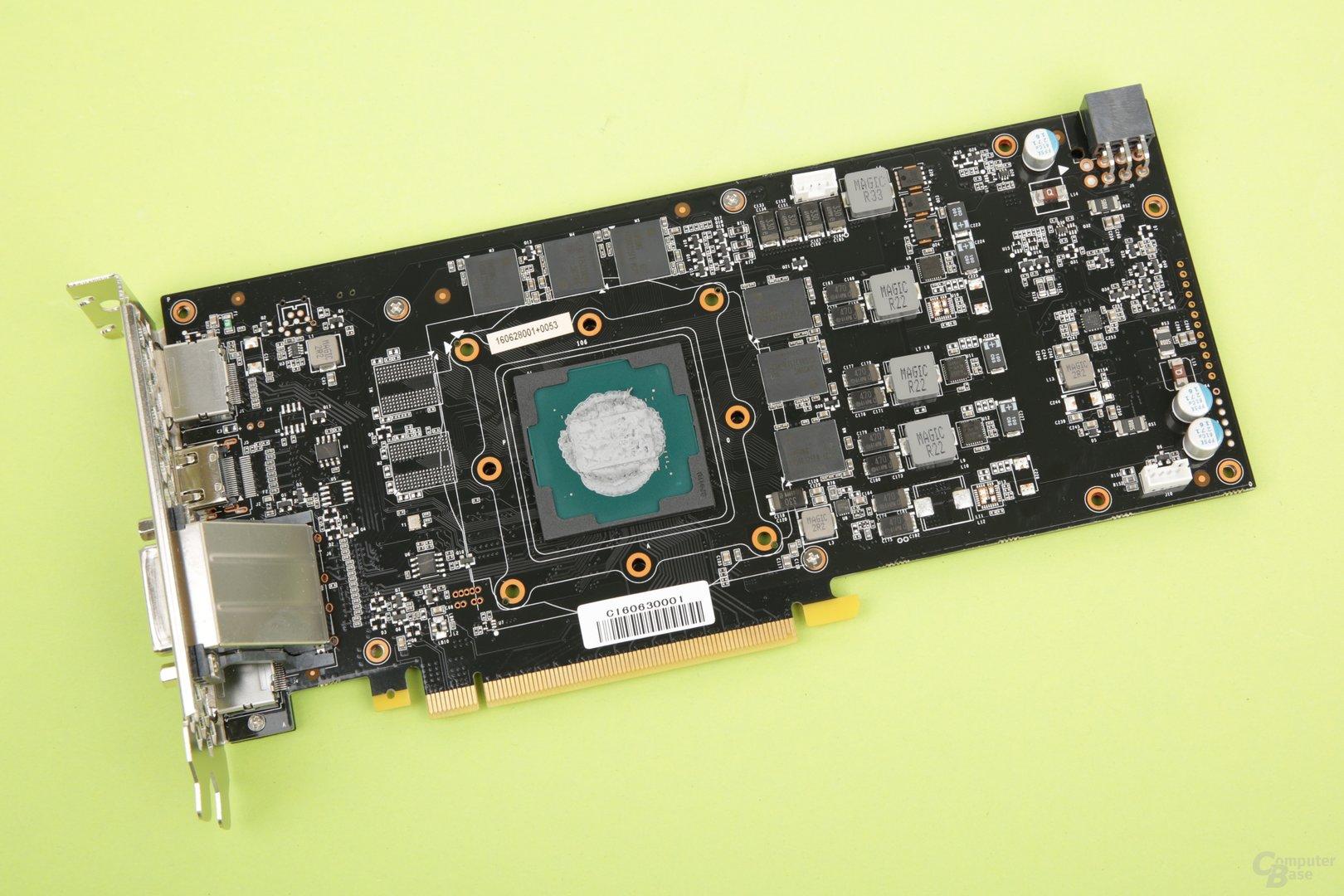 Das PCB der Version von Palit ist kompakt