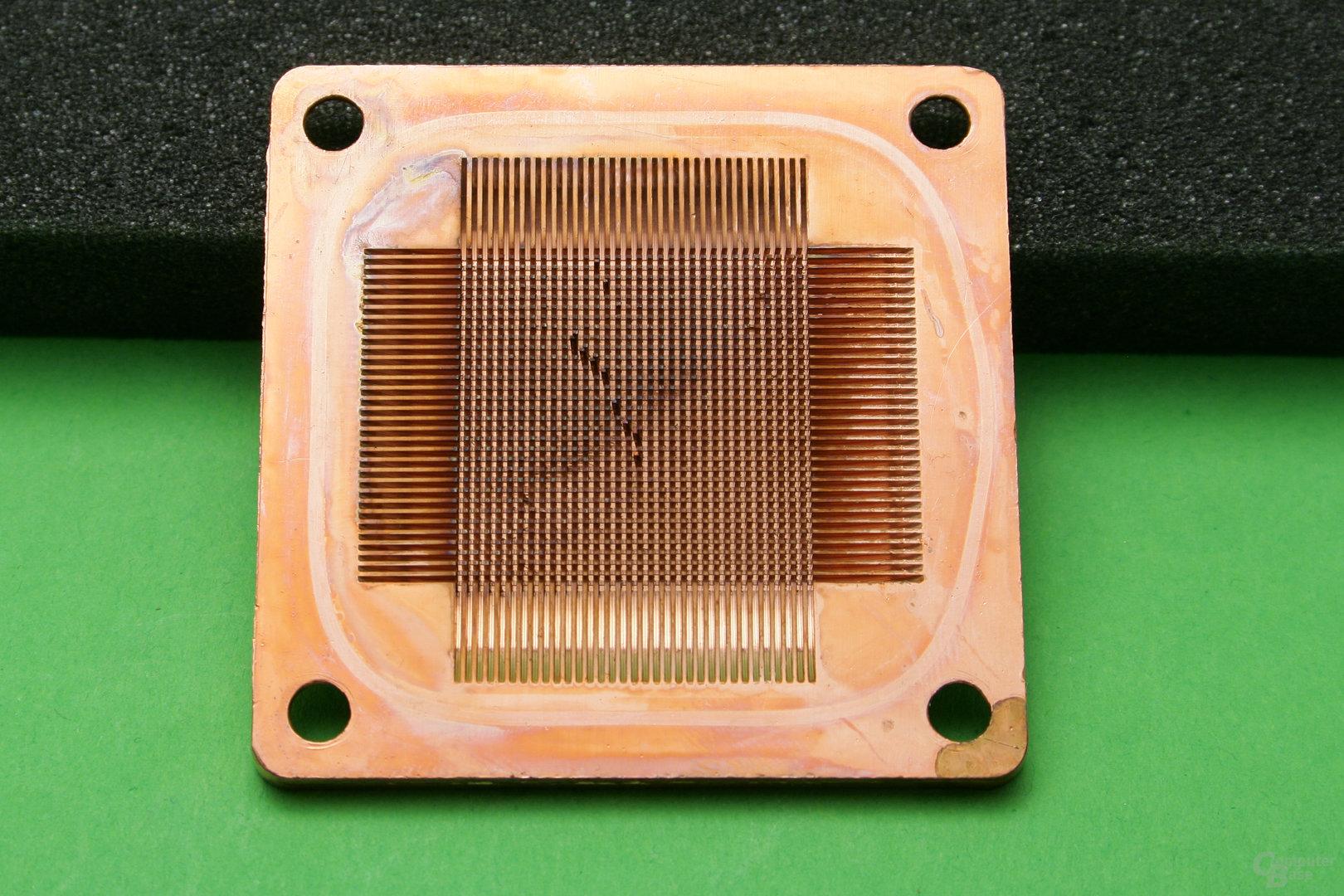 Alphacool NexXxos XP3 Light V.2: Ein paar Pins sind verbogen