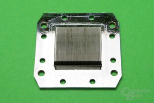 Raijintek CWB-C1: Bodenplatte mit Kühlfinnen