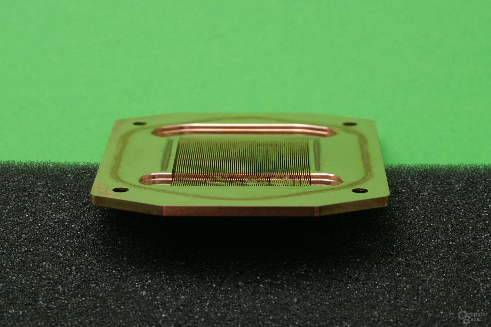Watercool Heatkiller IV Pro Pure Copper: Kühlfinnen sind angeschrägt