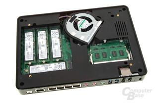 QNAP TBS-453A – M.2-SSDs und RAM sind leicht zugänglich