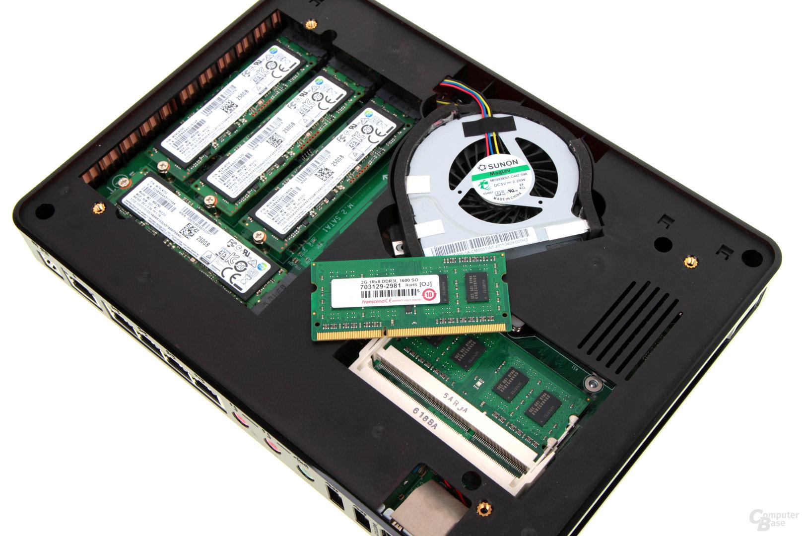 QNAP TBS-453A – Der RAM lässt sich leicht wechseln