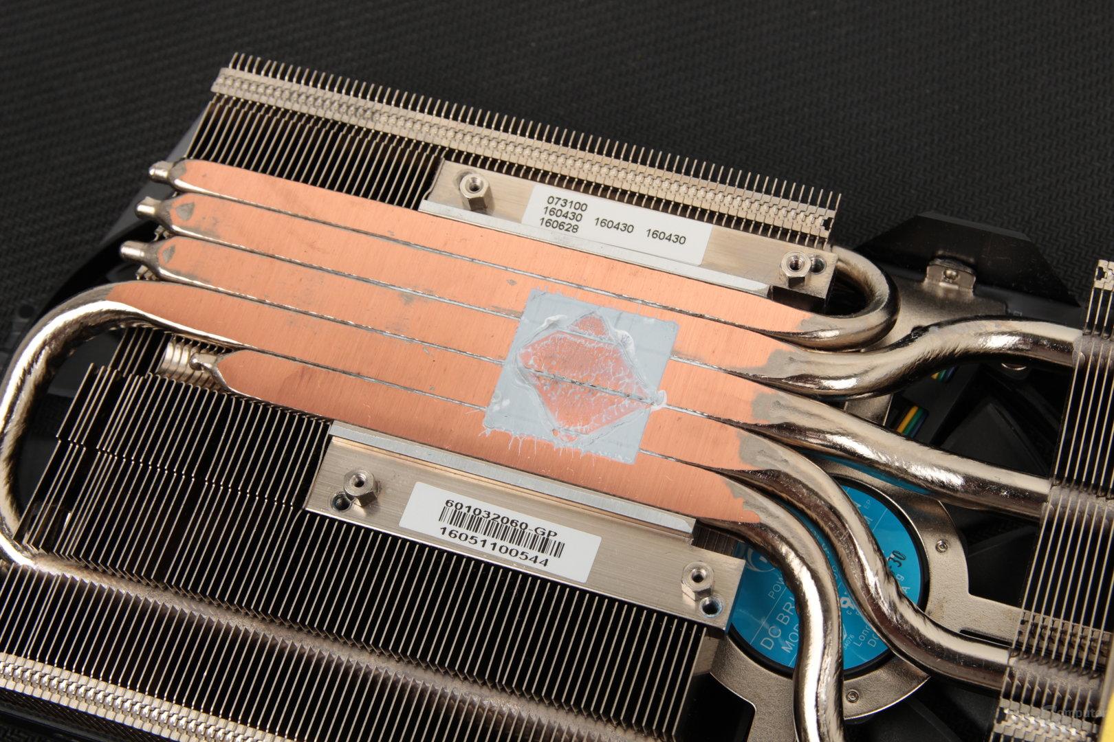 Drei Heatpipes im direkten Kontakt mit der GPU