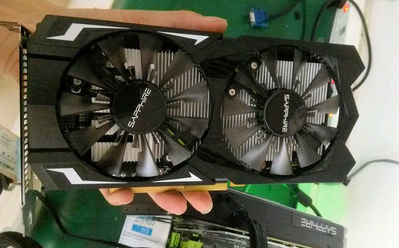 Sapphire Radeon RX 460 mit Dual-Lüfter
