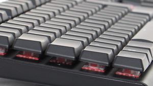Tesoro Gram Spectrum im Test: Mechanische Tastatur mit flachen Tastern