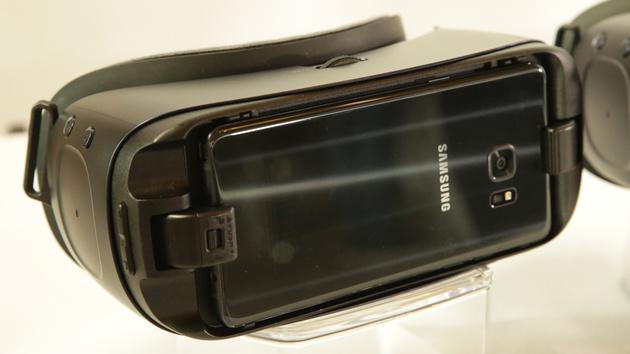 Gear VR 2 ausprobiert: VR-Brille für neue und alte Galaxy-Smartphones