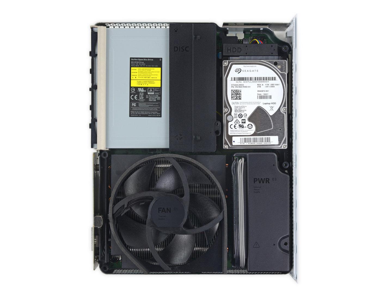 Die Festplatte kann wie gehabt nicht ohne Garantieverlust ersetzt werden