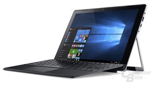 Acer Switch Alpha 12 mit angewinkelter Tastatur