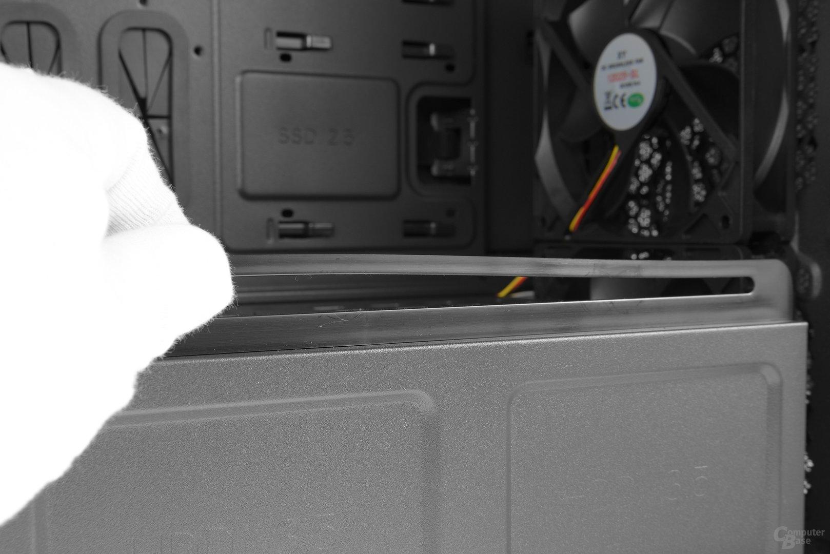 Chieftec GP-01B – Führung der Grafikkartenstütze