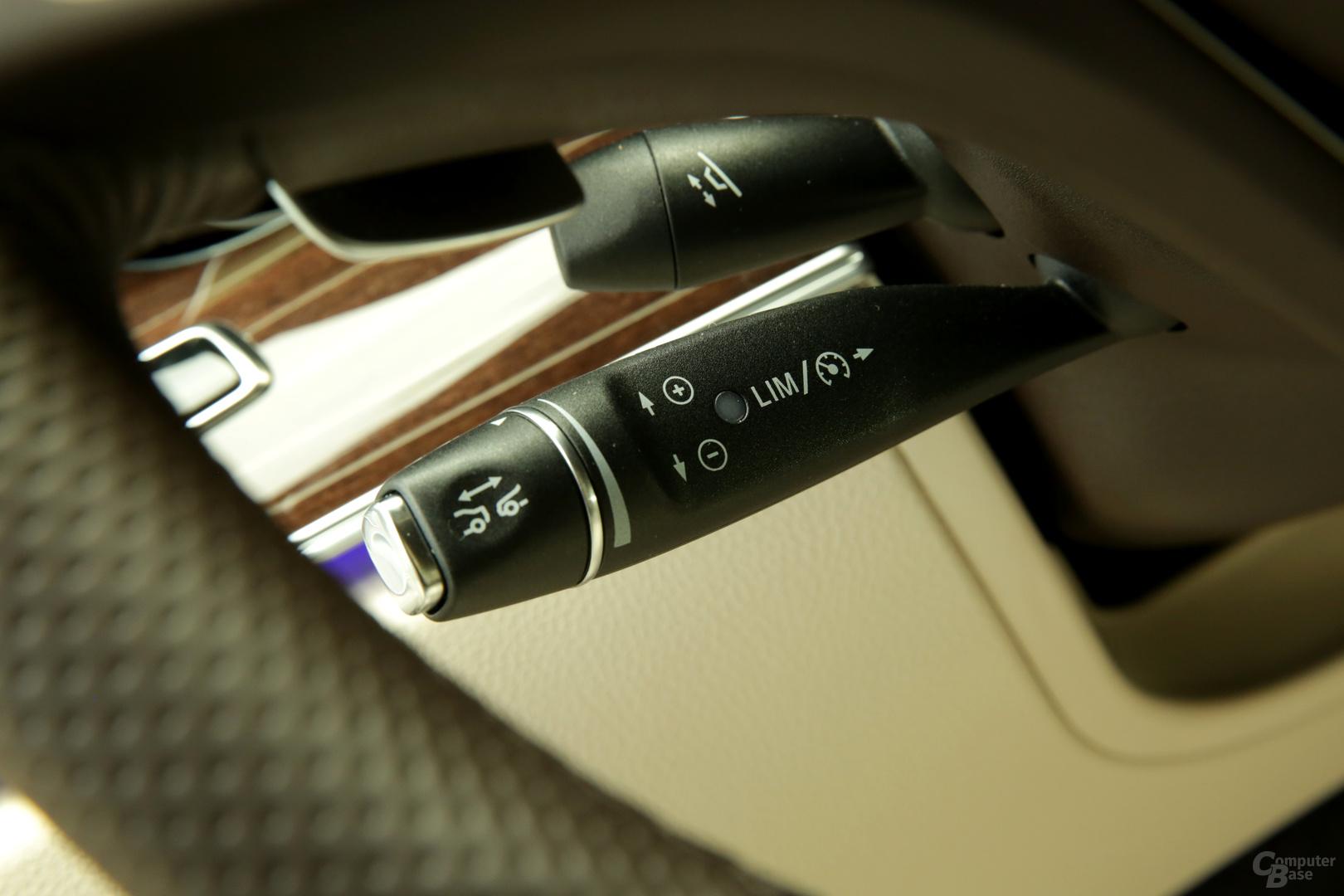 Der Tempomat-Hebel aktiviert den Drive Pilot