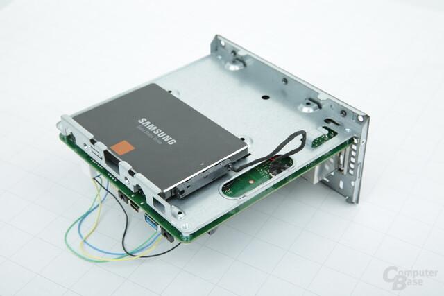 ASRock DeskMini 110: Bodenplatte mit Platz für zwei Laufwerke