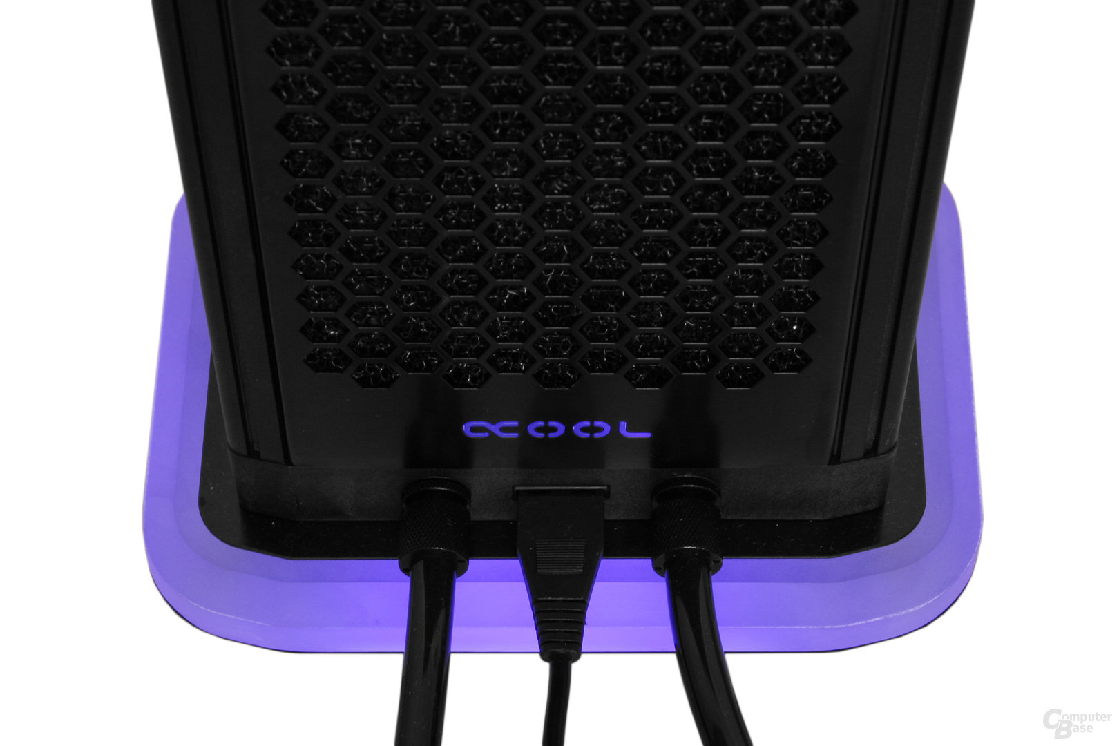 Alphacool Eiswand: Stromversorgung per Molex-Stecker
