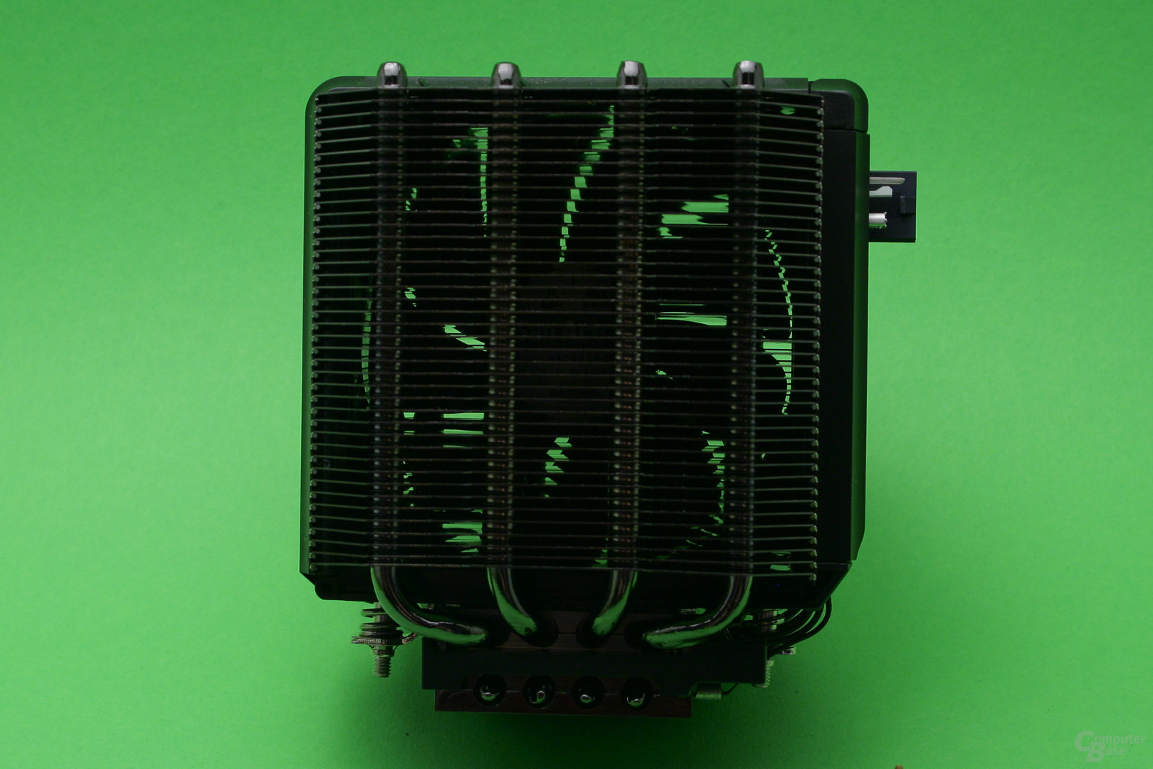 Phononic Hex 2.0: 92mm-Lüfter zwischen den Radiatoren