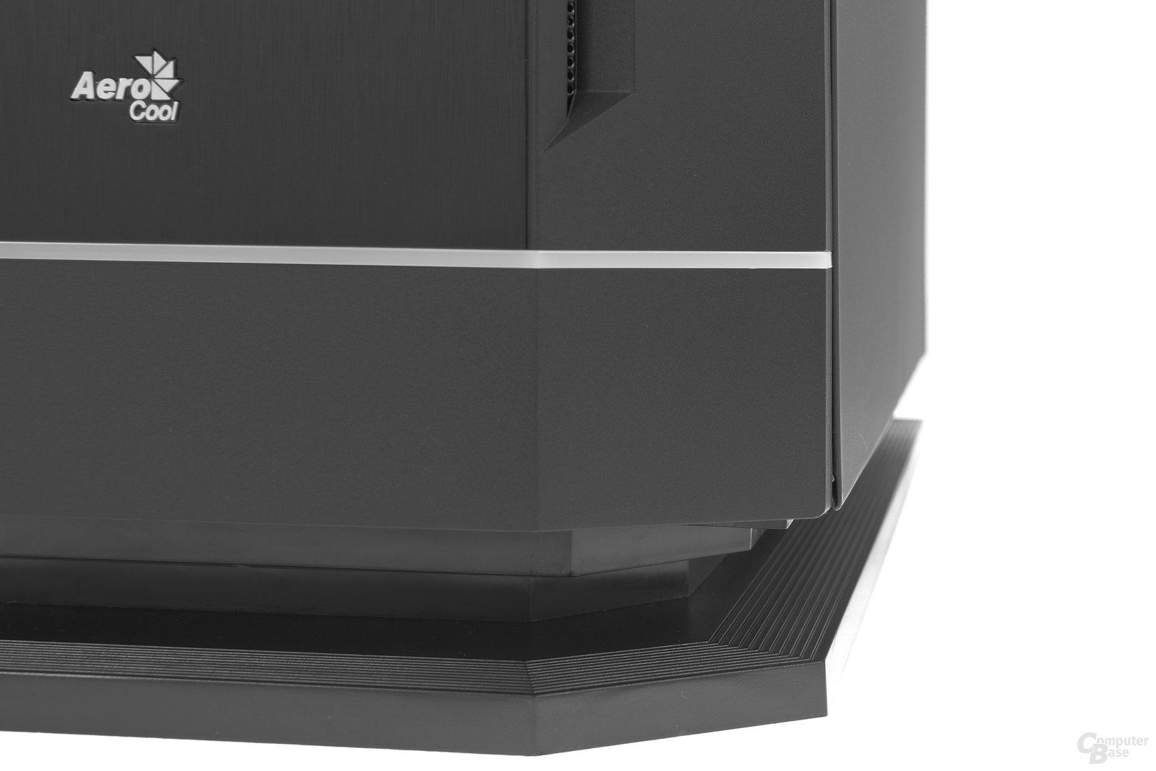 Aerocool DS 230 – Umgleichmäßige Spaltmaße an den Seitenteilen
