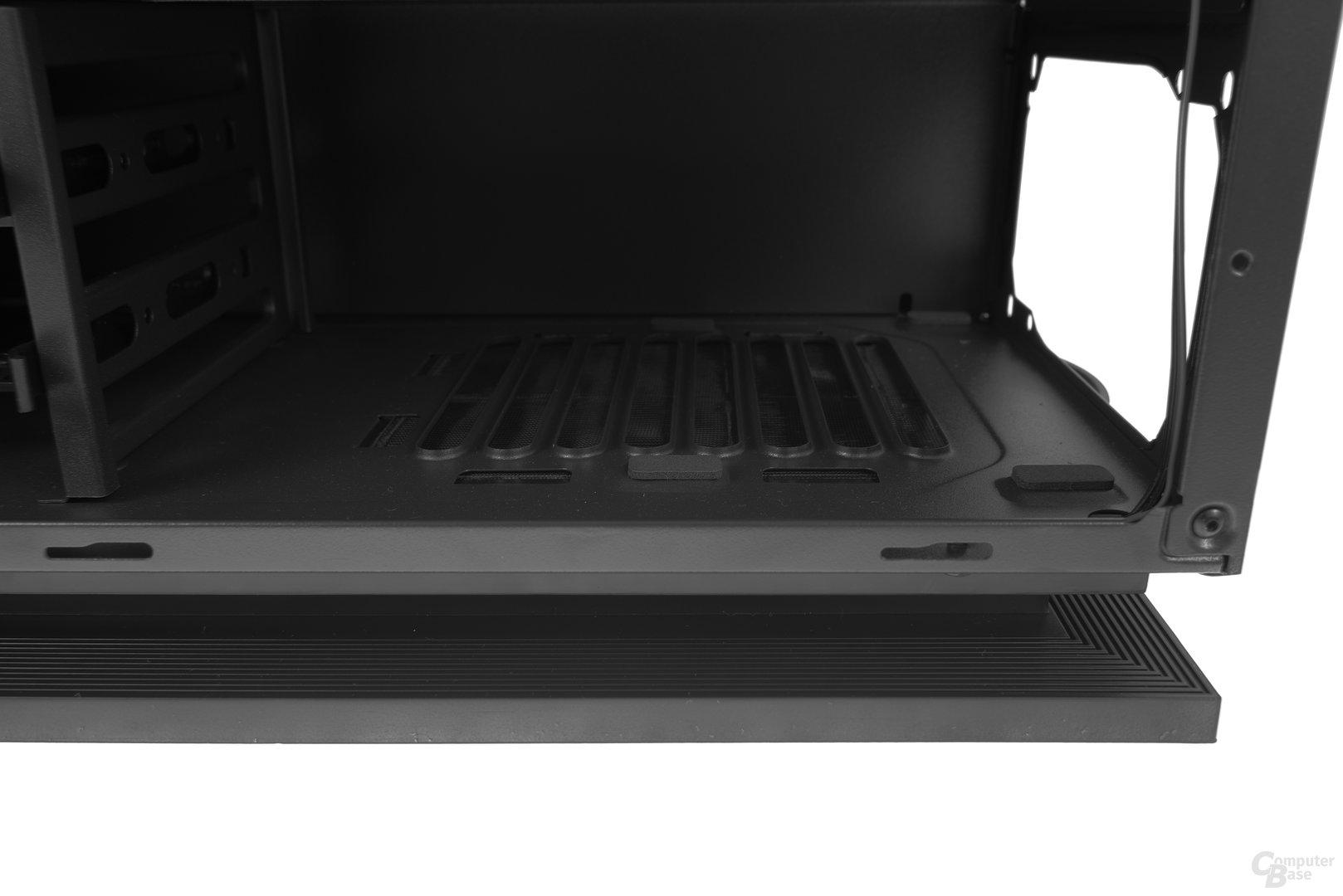 Aerocool DS 230 – Netzteilschacht