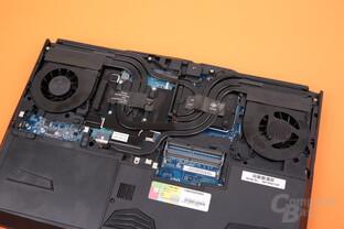 Zwei Lüfter kühlen jeweils sowohl GPU als auch CPU