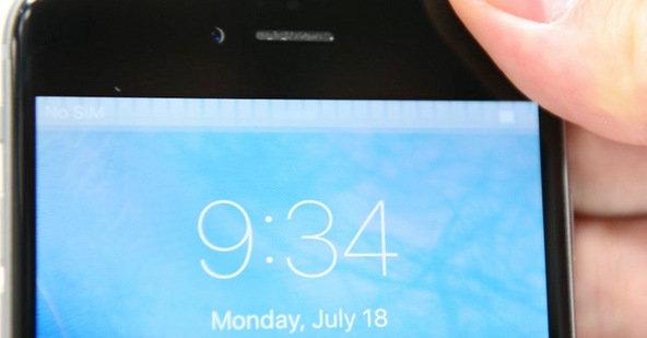 Grauer, flackernder Streifen auf einem iPhone-6-Display