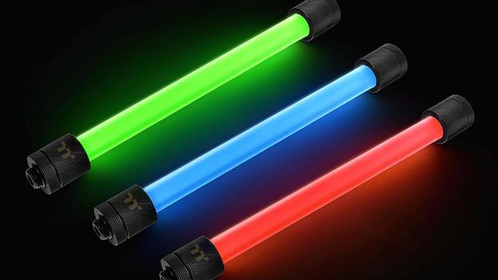LED-Fittings: Thermaltake beleuchtet PETG-Rohre in 256 Farben