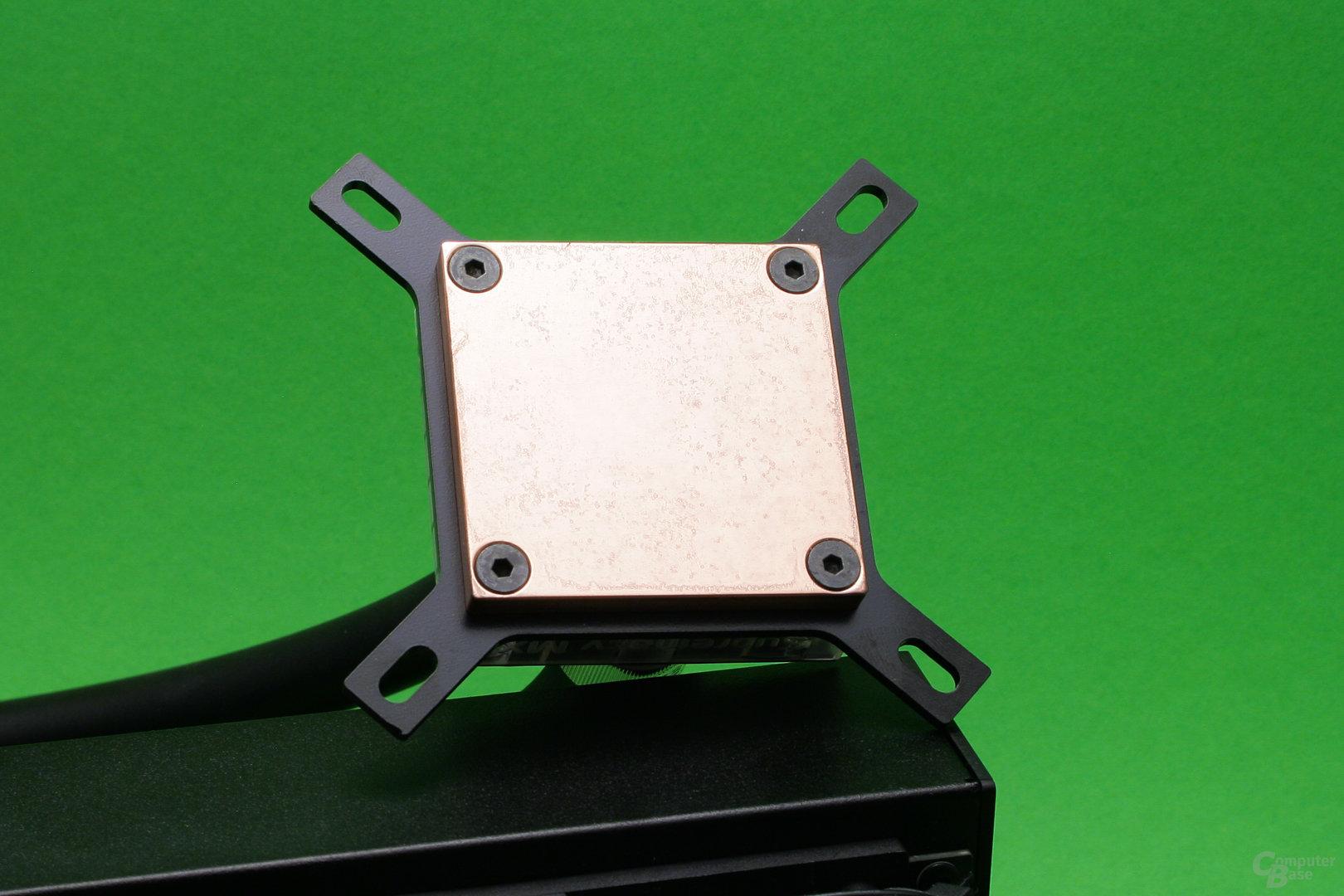 EK Predator 240: Bodenplatte des Kühlers
