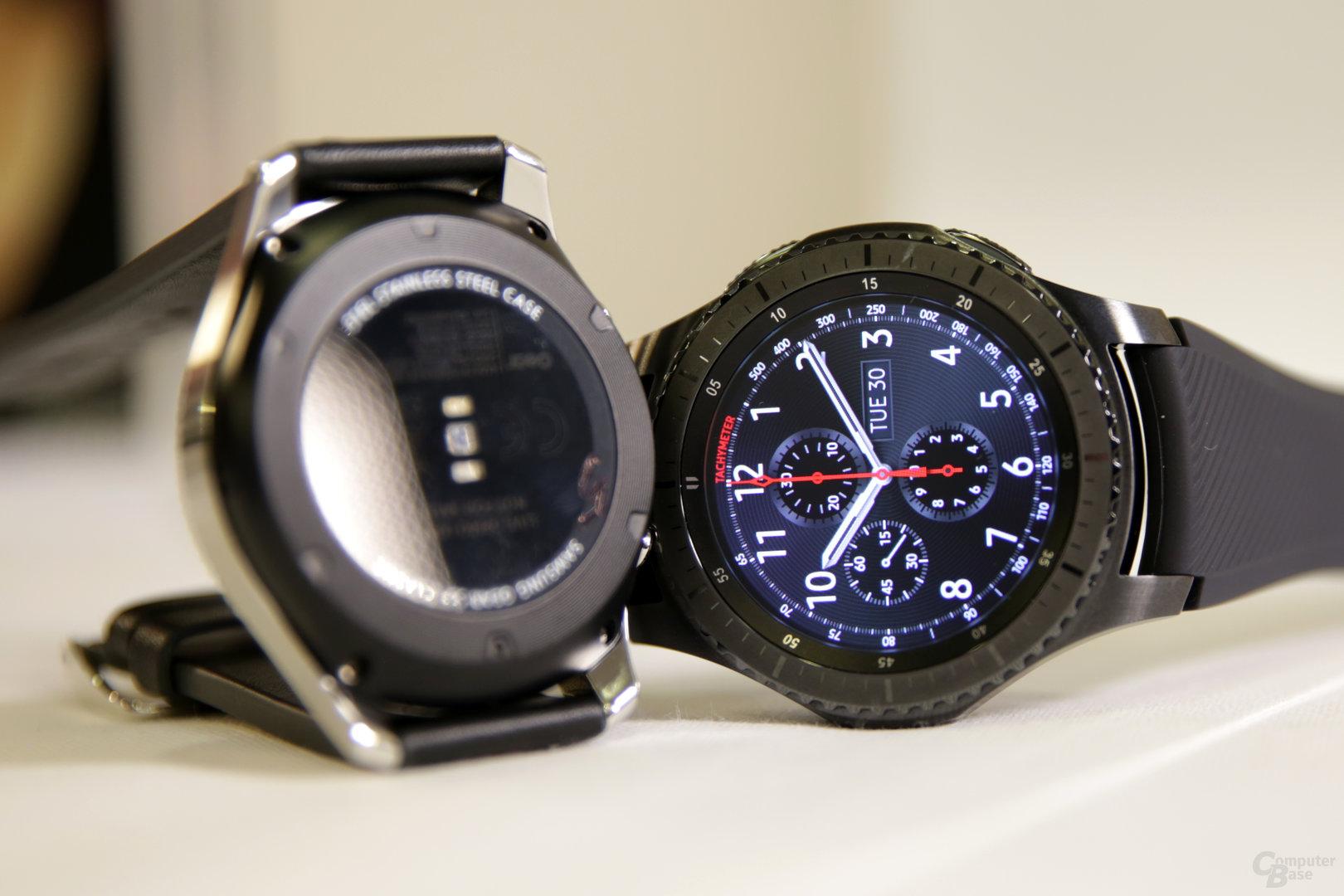 Rückseite Gear S3 Classic (links) und Gear S3 Frontier
