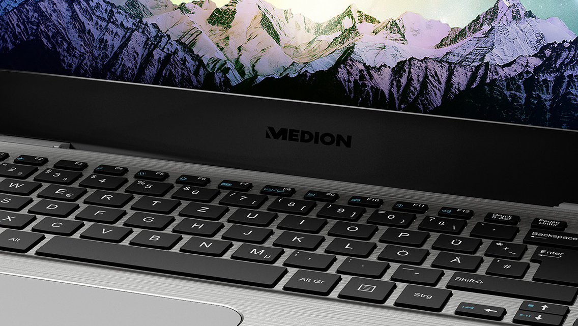 Akoya S3409: Medions Alu-Ultrabook rückt vom MacBook Air ab